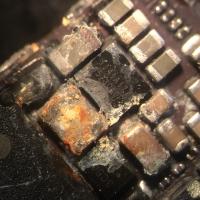 Удаление коррозии с платы телефона