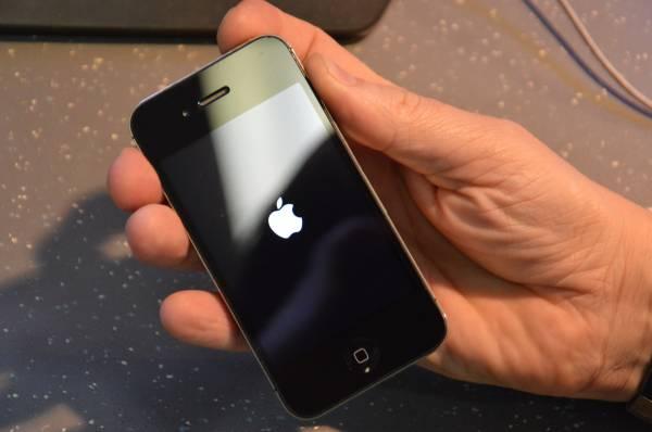 Замена кнопки блокировки/питания на iPhone 4s